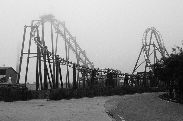 A foggy roller coaster (photo: P1090394 by Matthew Stinson, Some Rights Reserved: CC BY-NC 2.0)